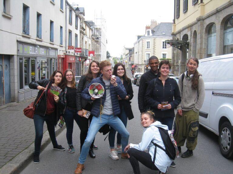 Des jeunes sur les planches à La Chapelle-de-Brain !