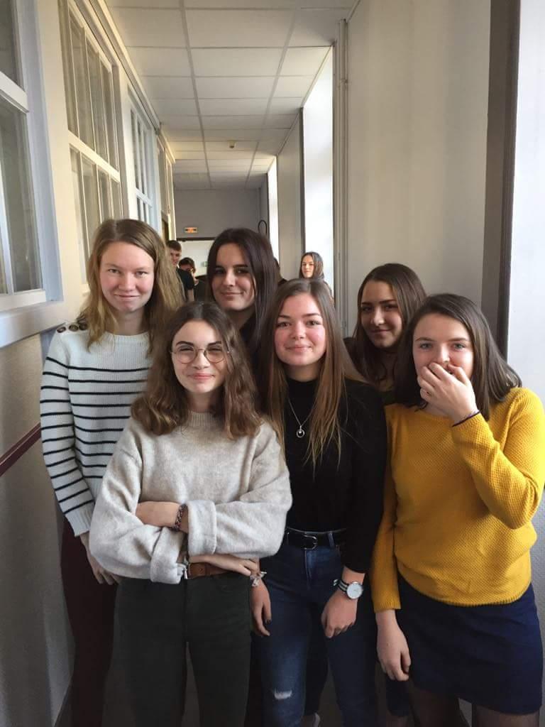 Odona, Lucile, Lisa, Emma-Louise, Valentine, Clémence et Baptiste