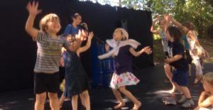 Ateliers enfants danse et clown @ Salle omnisports