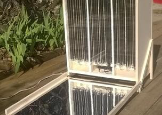 Atelier construction séchoir solaire hybride @ La Redonnerie