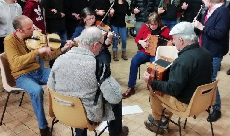 La Réveillée : musique à écouter et à danser @ Centre Pierre Glet