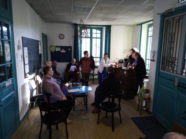 Une bicoque, un café culturel à Redon !