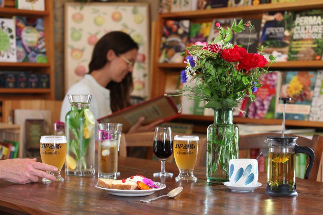 l'amante verte restaurant infusion plantes librairie table nature botanique