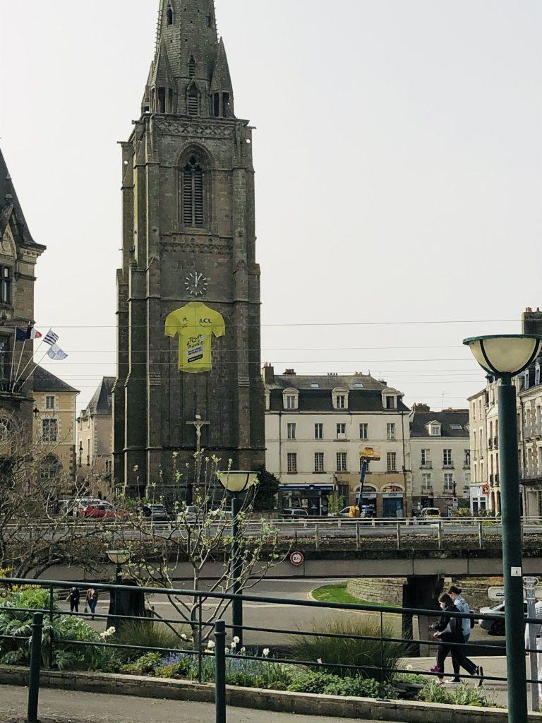 Maillot jaune géant