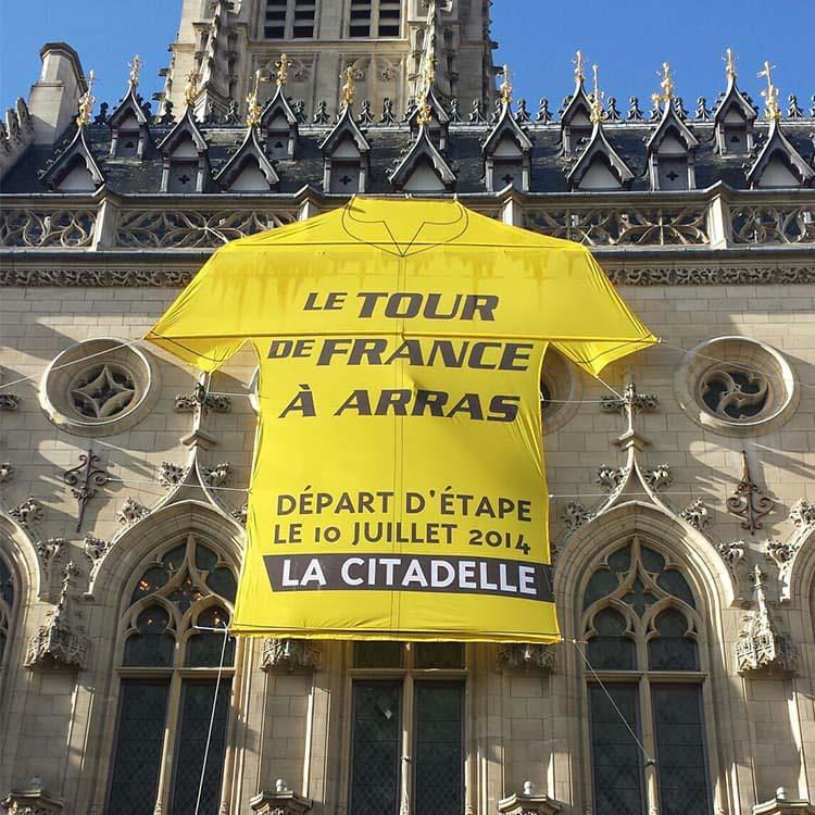 Maillot géant du tour à Arras