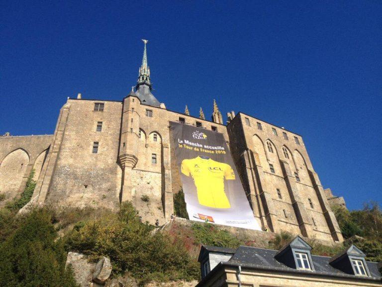 Maillot jaune sur Mont Saint-Michel