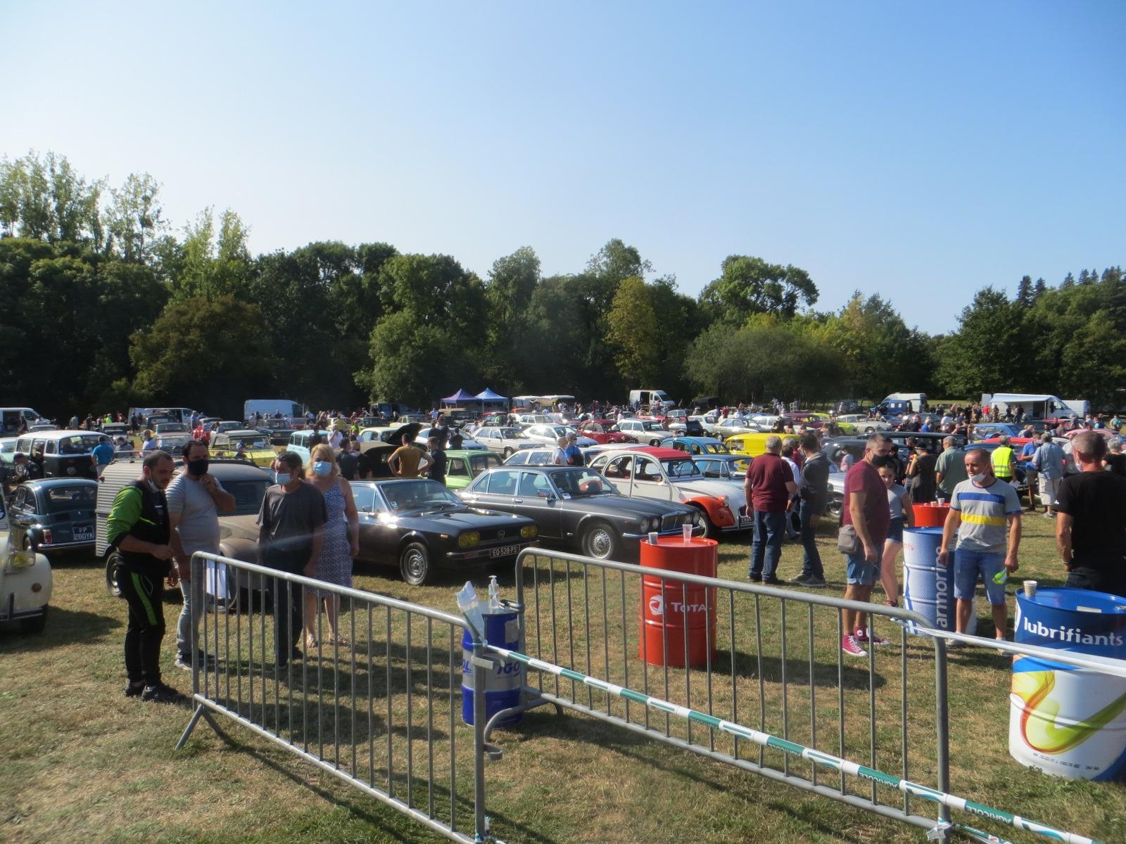 Bourse d'échange et rassemblement de véhicules anciens